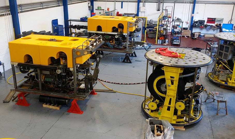 2-Crop-ROVs-in-Workshop